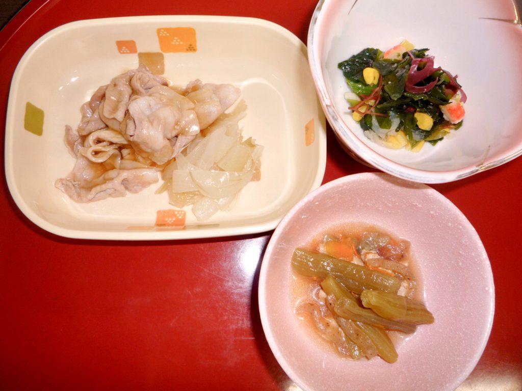 豚の生姜焼き、ふきのツナ煮 海藻サラダ